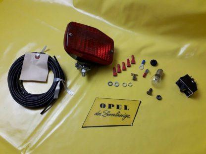 NEU + ORIGINAL Opel Rekord E Einbau-Satz Nebellampe Nebelschlussleuchte