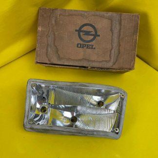 NEU + ORIGINAL Opel Kadett B Coupe Limousine Rücklicht mit Dichtung hinten
