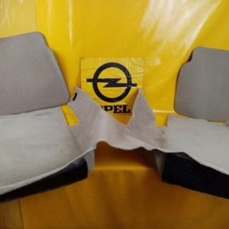 NEU + ORIG GM Opel Omega A Kombi Verkleidung Seitenwand unten + Teppich