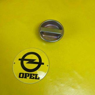 NEU + ORIGINAL Opel Kadett C City Tankdeckel Tankverschluss Deckel Verschluss
