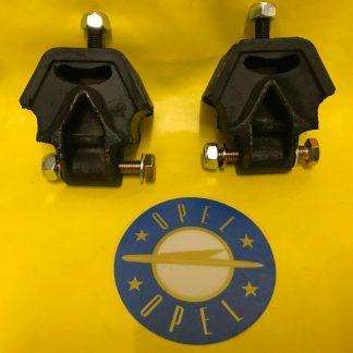 NEU Set Motorböcke / Motorhalter Opel Blitz 1,9-tonner mit 2,5 + 1,9 Liter CiH