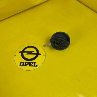 NEU + ORIGINAL GM / Opel Corsa A Tankdeckel abschliessbar + 2 Schlüssel Tank