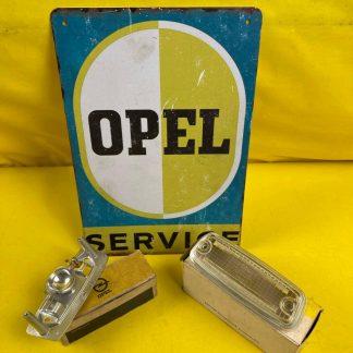 NEU + ORIGINAL Opel GT A L Beleuchtung Rückfahrscheinwerfer Glas Gehäuse Sockel