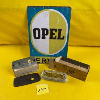 NEU + ORIGINAL Opel GT A L Beleuchtung Lichtscheibe Rückfahrscheinwerfer Sockel