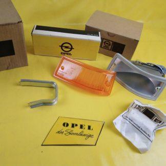 NEU + ORIGINAL Opel Ascona A Einbausatz Blinker rechts Leuchte Gehäuse Glas