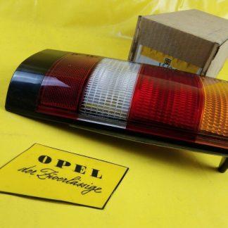 NEU + ORIGINAL Opel Kadett D Kombi Caravan Rücklicht Beleuchtung Licht rechts