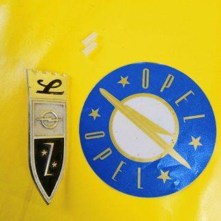NEU + ORIG Opel Rekord A R3 Coupe Limousine L-Version Emblem Kotflügel Krone