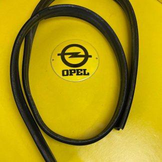 NEU + ORIGINAL GM/ Opel Kadett E Fensterführung Dichtung Tür vorne links Gummi