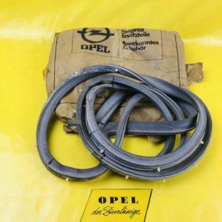 NEU + ORIGINAL Opel Rekord D / Commodore B Limousine Türdichtung hinten rechts