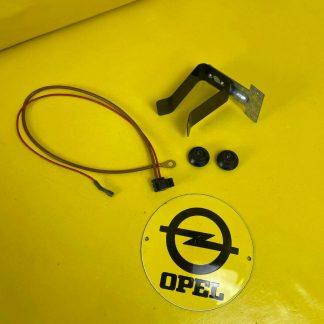 NEU + ORIGINAL Opel Kadett D Radio Einbausatz Knöpfe Halter Blende Zubehör