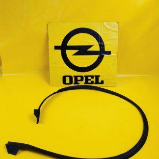 NEU + ORIG GM Opel Omega B Limousine Zierleiste Heckscheibe unten Gummi Dichtung