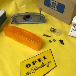 NEU + ORIGINAL Opel Kadett C Manta A Blinkergehäuse + Glas + Schraubensatz NOS