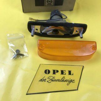 NEU + ORIGINAL Opel Manta A Blinker rechts / links Gehäuse + Glas Blinkleuchte