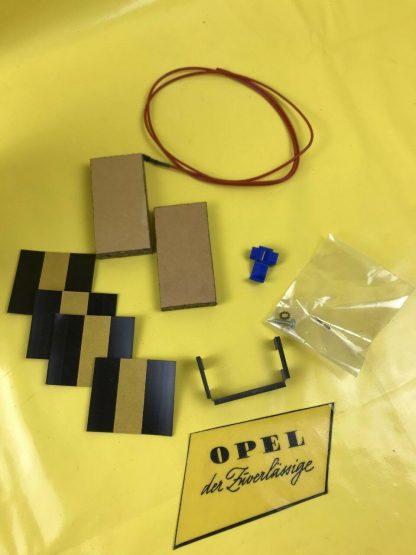 NEU + ORIGINAL Ople Corsa A Einbausatz Kabel Radio Stecker Halter Einbauteile