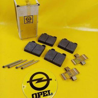 NEU + ORIGINAL Opel CD Diplomat B V8 5,4 Bremse Satz Bremsklötze Vorderachse