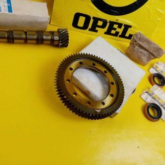 NEU + ORIG GM Opel Kadett E Ascona C Getriebe Hauptwelle + Stirnrad 71:18
