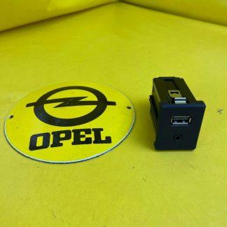 NEU + ORIGINAL Opel Insignia A Zafira C USB + AUX Anschluss