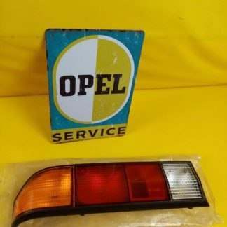 NEU + ORIG Opel Manta B Rückleuchte hinten links mit schwarzem Rand Rücklicht