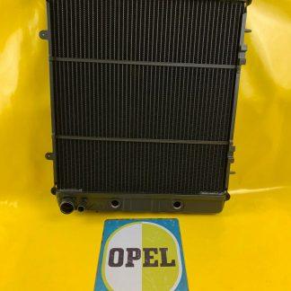NEU Kühler / Wasserkühler Opel Monza A 3,0 E mit Automatikgetriebe + Klimaanlage