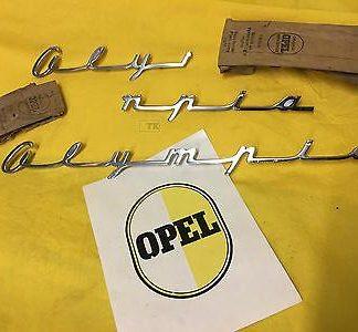 NEU + ORIGINAL OPEL Olympia Rekord 1957 Oly 57 Emblem Kotflügel Chrom Schriftzug