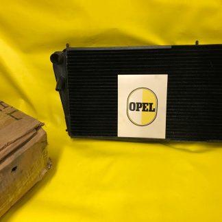 NEU + ORIGINAL OPEL Kühler Rekord A passend für alle 6 Zylinder Modelle NOS OVP