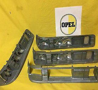 NEU + ORIG Opel 4 x Rücklicht Gehäuse Rekrod A Rücklichtgehäuse Lampeneinsätze