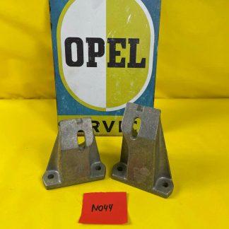 NEU + ORIGINAL Opel Omega A Rekord E Halter Motoraufhängung