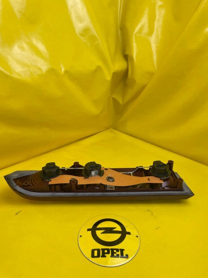 NEU + ORIGINAL Opel Manta B Rücklicht hinten rechts Rückleuchte mit rotem Rand