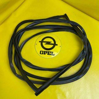 NEU + ORIGINAL GM/ Opel Omega A Limousine Heckscheibengummi Dichtung Abdichtung