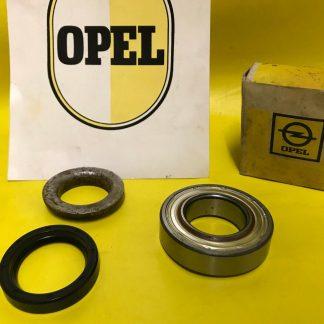 NEU + ORIGINAL OPEL Rekord B / C Radlager Satz Radlagersatz hinten Coupe + Limo