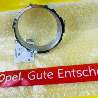 NEU ORIG GM Opel Adam Chrom Rahmen Nebelschlussleuchte links in Stoßstange hi