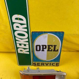 NEU + ORIGINAL Opel Rekord D Rücklicht Heckleuchte Coupe Limousine hinten rechts