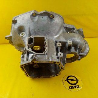 NEU + ORIG Opel F16 Getriebe Gehäuse Glocke Getriebegehäuse Getriebeglocke