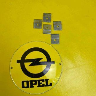 NEU + ORIGINAL Opel Kadett A Halter Zierleiste Schweller chrom Zierleistenhalter