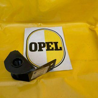 NEU + ORIGINAL Opel Movano A Halterung Abschleppöse vorn an Längsträger rechts