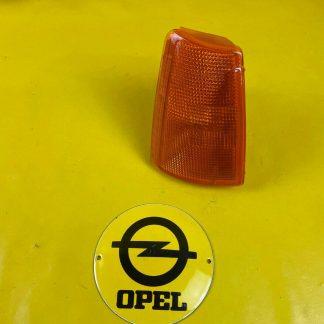 NEU + ORIGINAL GM / Opel Kadett E Blinker rechts gelb Blinkleuchte