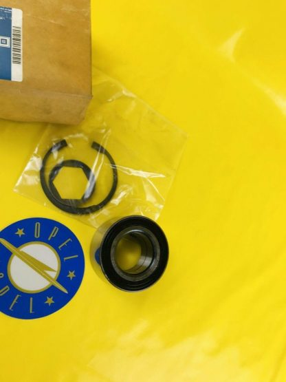 NEU + ORIGINAL Opel Omega A Reparatursatz Radlager hinten Hinterachse