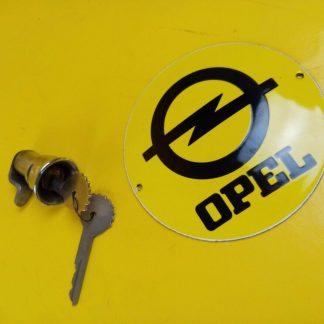 NEU Opel Kapitän PL 2,6 + P 2,5 Schlüsselloch Schloß Tankklappe
