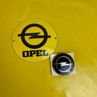 NEU + ORIGINAL Opel Corsa B Emblem hinten Kofferdeckel