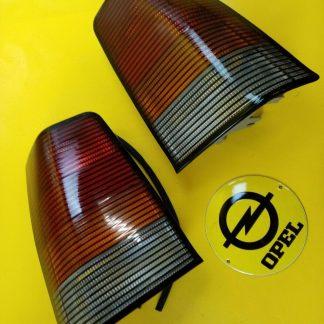 NEU + ORIGINAL GM Opel Kadett E GSi Rücklicht getönt Paar Rückleuchten re + li