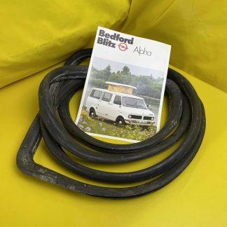 NEU ORIG Opel Bedford Blitz Frontscheibendichtung Gummi